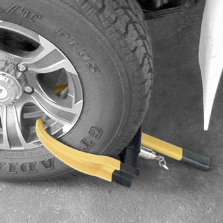 Drive Deluxe Wheel Clamp