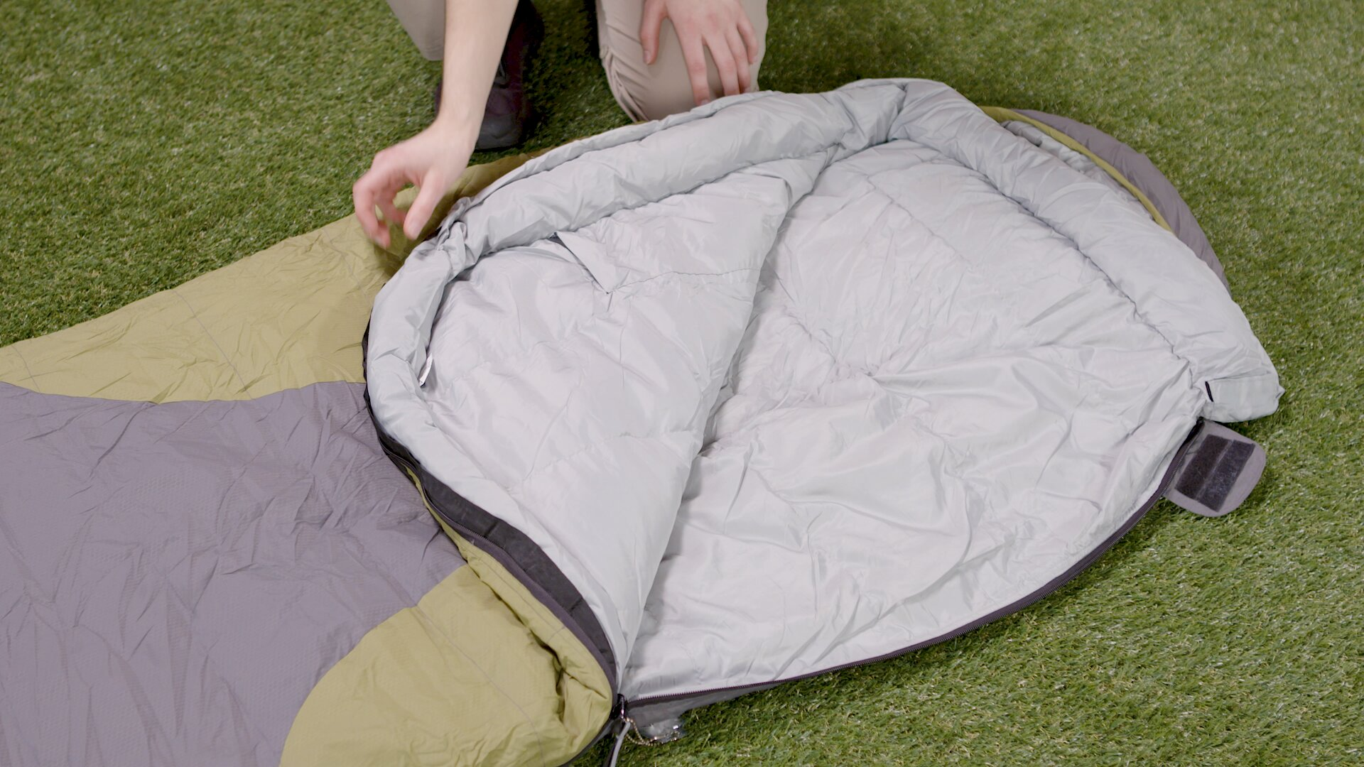 How To Choose A Sleeping Bag - Open Bag Fitting
